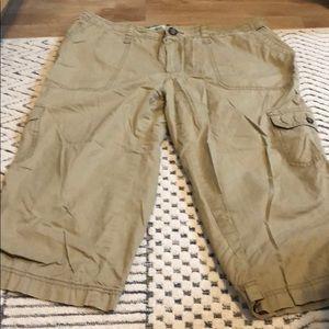 Begin Capri Cargo Pants